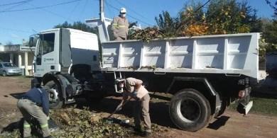 Cañuelas , el Gobierno Municipal continúa con los trabajos reorganizados por la Secretaría de Gobierno y contiguo con Defensa Civil, Cooperativas, personal de Tránsito y agentes municipales.