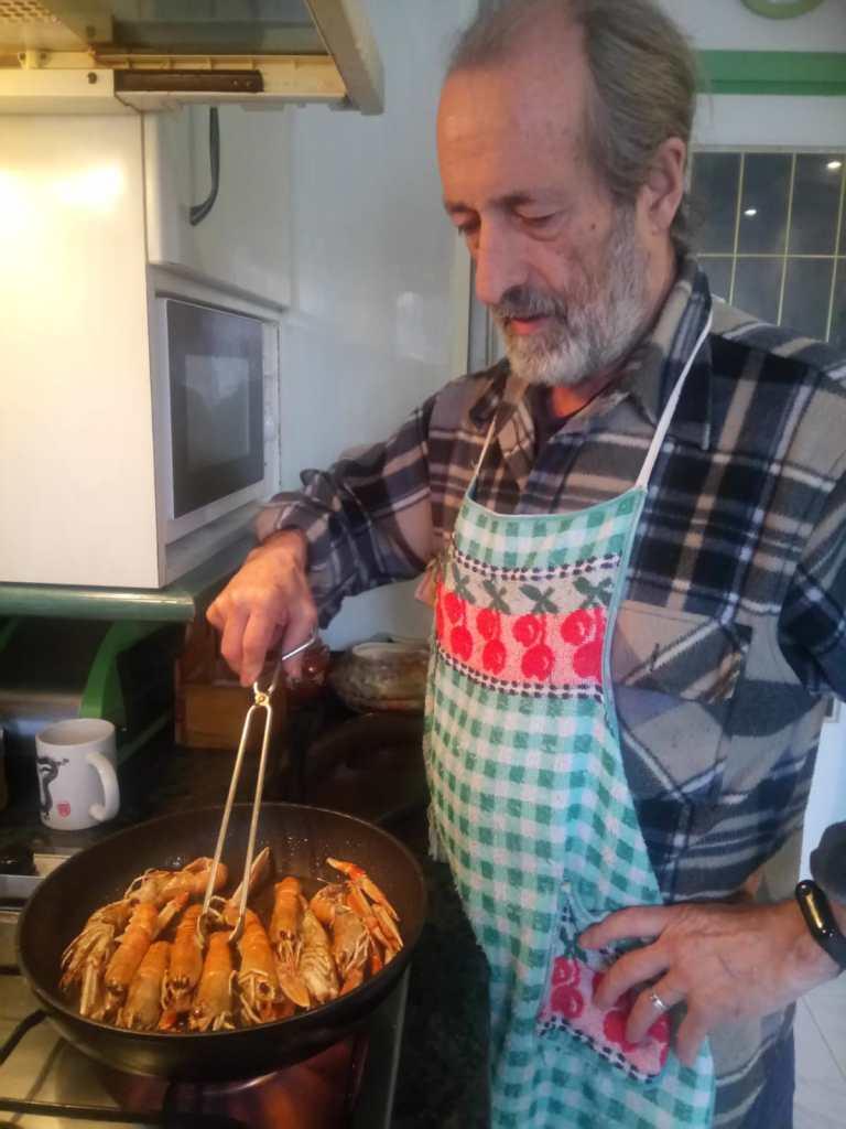 Iñaki cocinando
