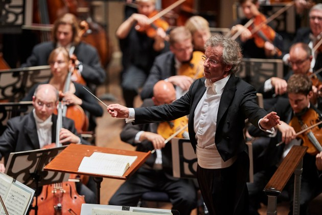 Conductor Franz Welser-Möst and the Cleveland Orchestra.