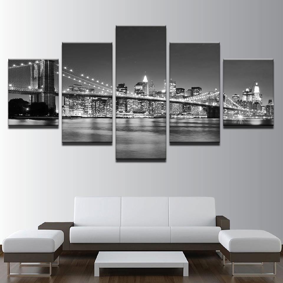 black white brooklyn bridge