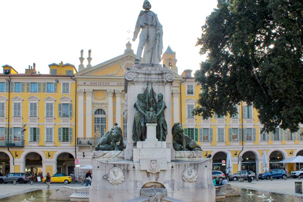 Statue in Nice
