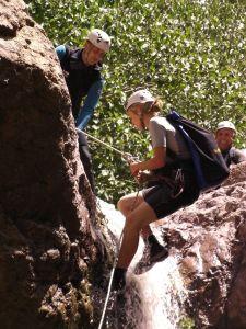 Rappel débutant durant le canyon de Tazitounte.