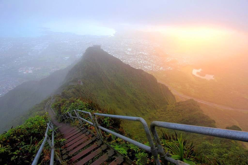 haiku-stairs-hawaii-stairway-to-heaven-13