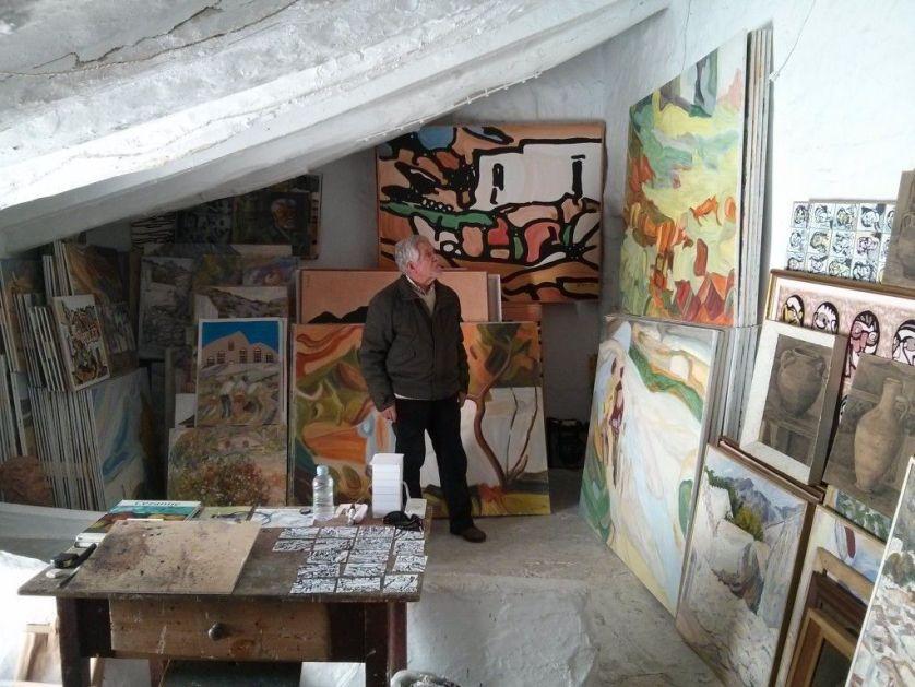Antonio Rodríguez Agüera en su estudio.