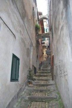 Vicolo Cisternin (La Pigna).