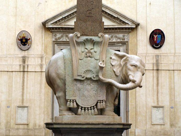 Obelisco del elefante. Foto: Gonzalo Durán.