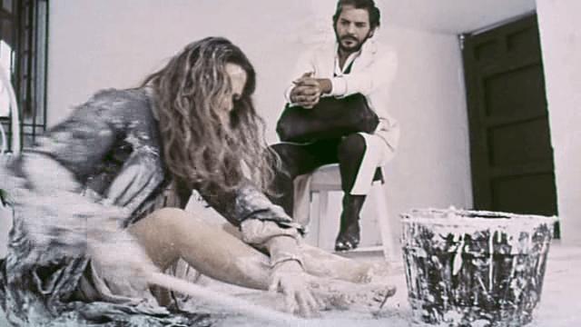 Analía Gadé y Espartaco Santoni en una escena de 'Las melancólicas'.