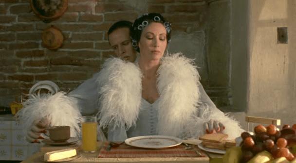 Cristóbal Jodoroswky y Blanca guerra, protagonistas de 'Santa Sangre'.