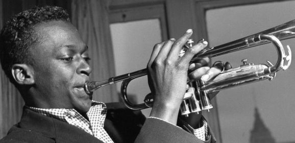 Clásicos básicos: 'A Tribute to Jack Johnson' de Miles Davis