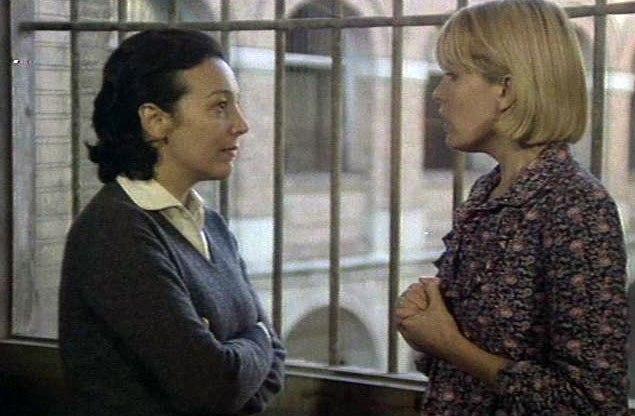 Esperanza Roy y Bárbara Rey en 'Carne apaleada'.