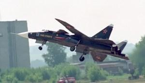 Su-47 o Firkin volando