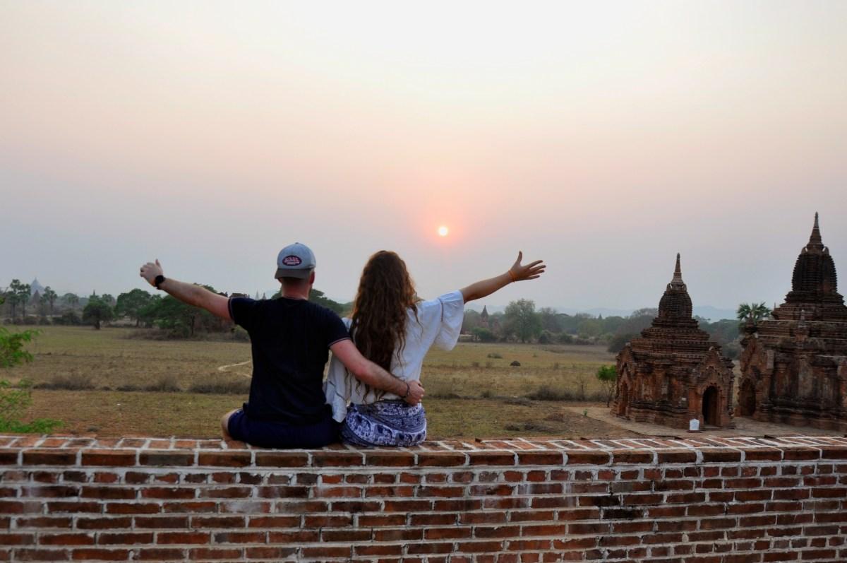 J+199 Coucher de soleil sur les temples…
