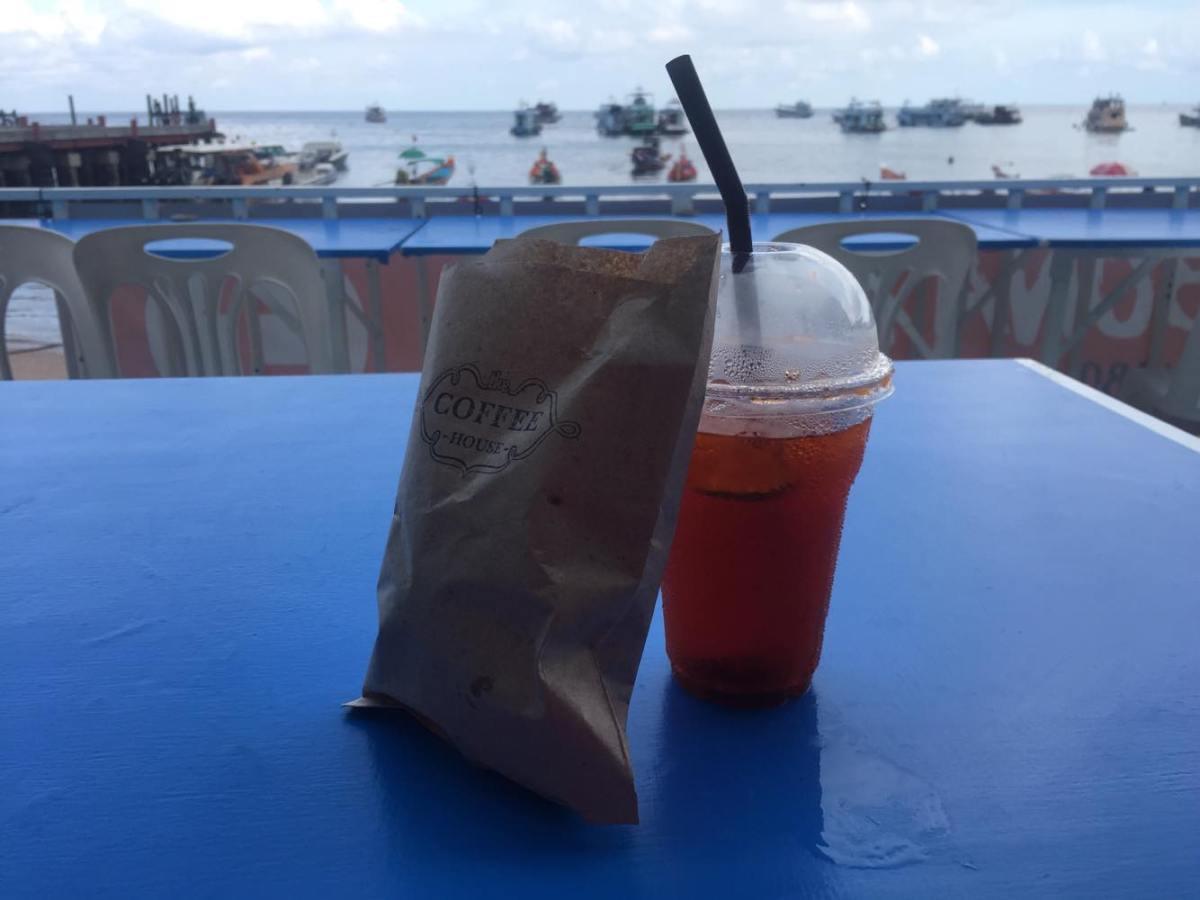 J+267 Tenter de goûter au meilleur croissant de l'île !