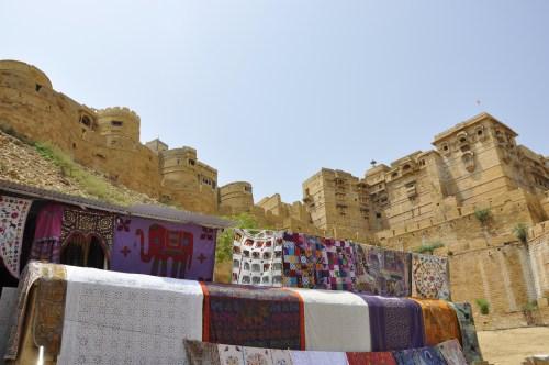 J+346 Visiter la seule forteresse encore habitée !