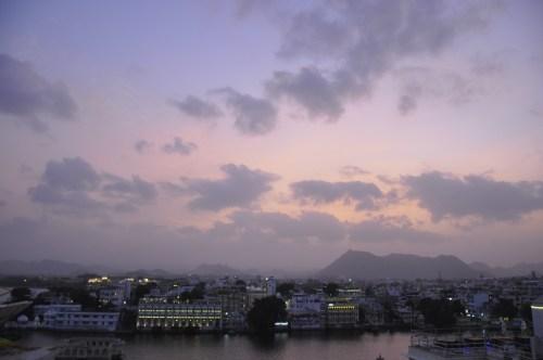 J+338 Rooftop devant le Taj Lake Palace…