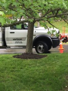 Yay! The Verizon truck is here!