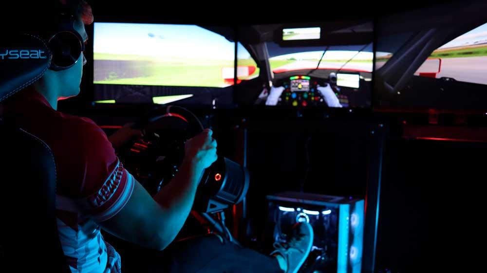 Simulador de conducción en La Rioja. Simracing en Capacitanes Center de Logroño