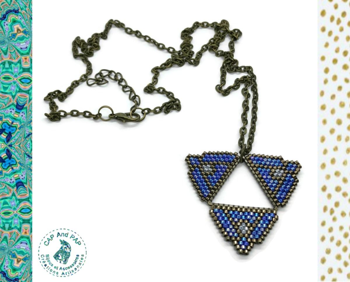Pendentif artisanal bleu - Ethnique - Perles tissées