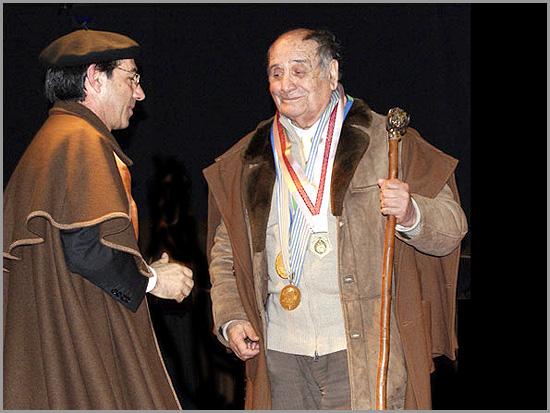Joaquim Leal (grão-mestre) e Manuel Leal Freire (confrade de honra) da Confraria do Bucho Raiano - Março de 2011