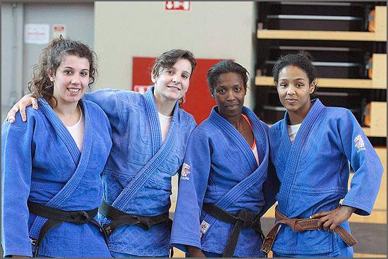 Atletas da Escola de Judo Ana Hormigo
