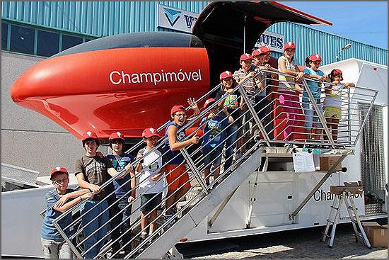 O Champimóvel pode ser visitado por grupos de crianças no Largo da Fonte