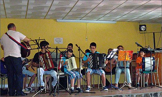 Actuação dos alunos do Ateliê de Música da Torre