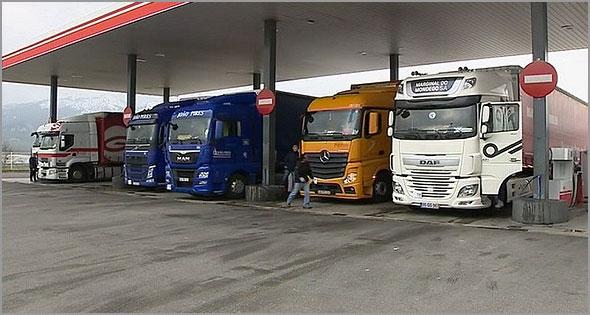 Transportes Internacionais abastecem em Espanha antes de entrar em Portugal