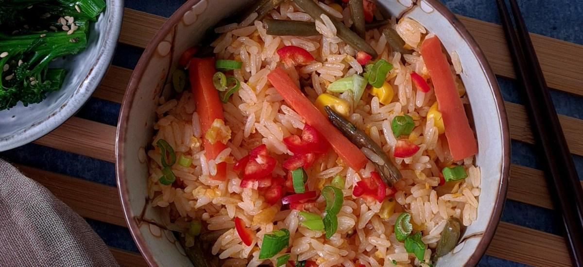 Japanese-Style Fried Rice (Chahan/Yakimeshi)