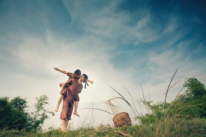 Ảnh cưới hóa thân nông dân của đôi trẻ yêu nhau 4 tháng - Anh cuoi hoa than  nong dan cua doi tre yeu nhau 4 thang - Baomoi.me Hôm nay 24-07-2020  22:58:58