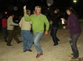 Cacho Berbetty y su familia se alegran en la verbena nocturna de la víspera