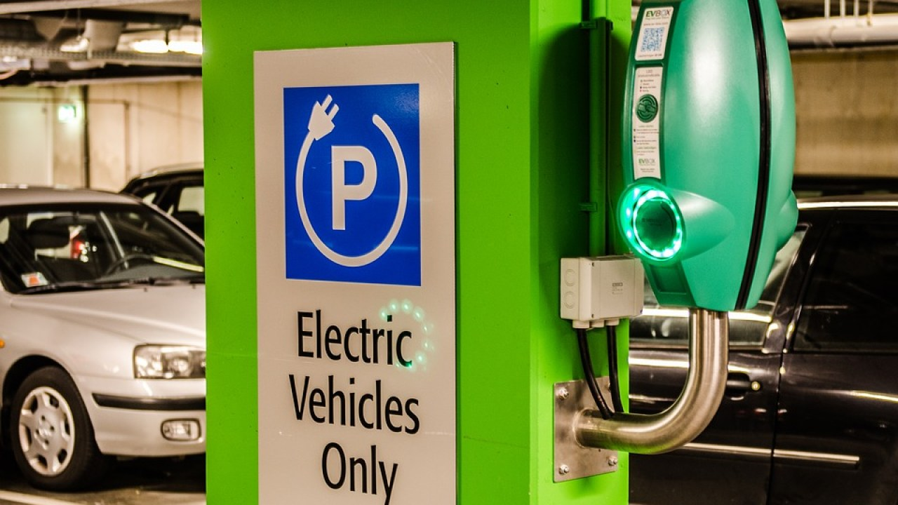 which stocks will benefit from electric vehicles in india