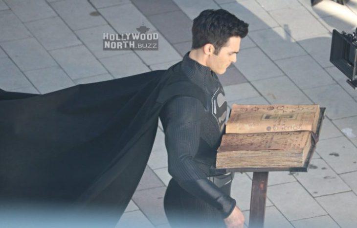 """""""Superman"""" ¿Con traje negro?"""