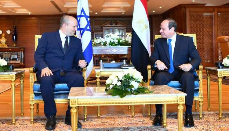 """الرئيس عبد الفتاح السيسي ورئيس الوزراء الإسرائيلي """"نفتالى بينيت"""