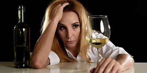 Como internar um dependente químico e alcoólatra em clínica de recuperação