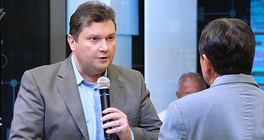 fábio sérvio em debate com wellington dias