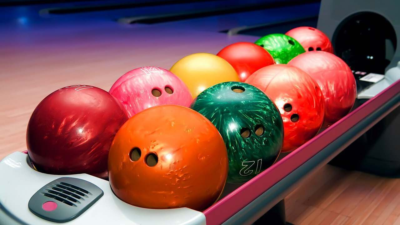 5 Steps to Choosing the Right Bowling Ball for You