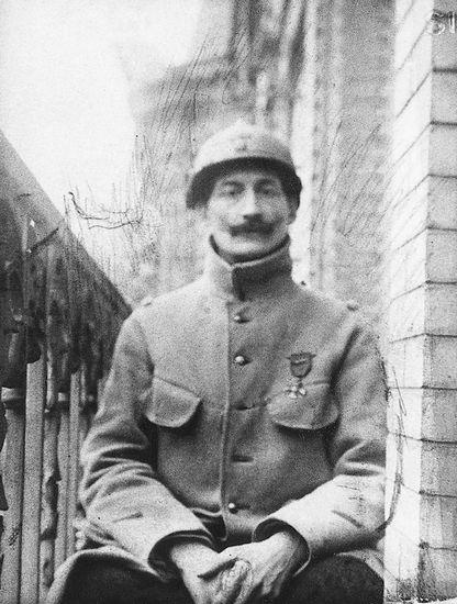 Henri Barbusse in divisa durante la prima guerra mondiale