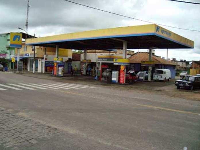 Maioria dos postos ainda não tem queda no preço da gasolina.