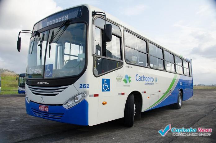 Manifestação de três horas de motoristas deixa usuários sem ônibus em Cachoeiro