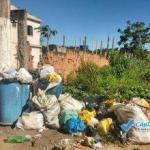 TURISTAS E MORADORES RECLAMAM DA FALTA DE COLETA DE LIXO EM MARATAÍZES