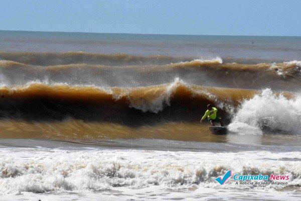 1_surf_na_praia_dos_castelhanos__1_-4108689