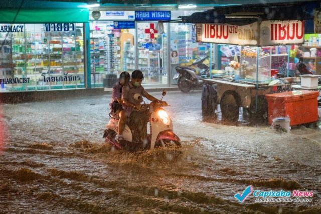 Água de enchente pode transmitir doenças