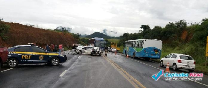 Acidente entre quatro carros deixa um morto