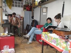 Edison, Katiane e Aninha. Reunião Grupo de Estudos CEACA, 09.08.2014 - casa do Edison.