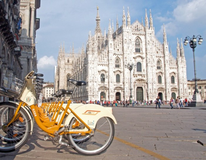 milan-pays-cyclists-889x693