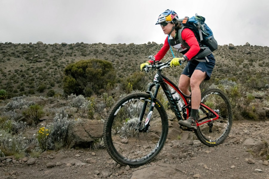 Rusch-Kilimanjaro_red-bull-media_riding