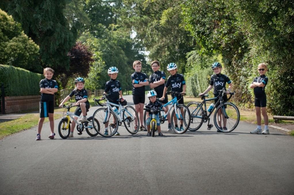 Team-Sky-Frog-bikes-2-1024x681
