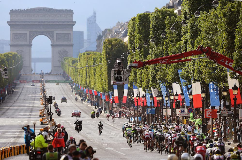 Cycling: 102nd Tour de France / Stage 21 Illustration Illustratie / Peleton Peloton / Arc De Triomph / Champs-Elysees / Landscape Paysage Landschap / Sevres - Paris Champs-Elysees (109,5km)/ Ronde van Frankrijk TDF / Etape Rit /©Tim De Waele