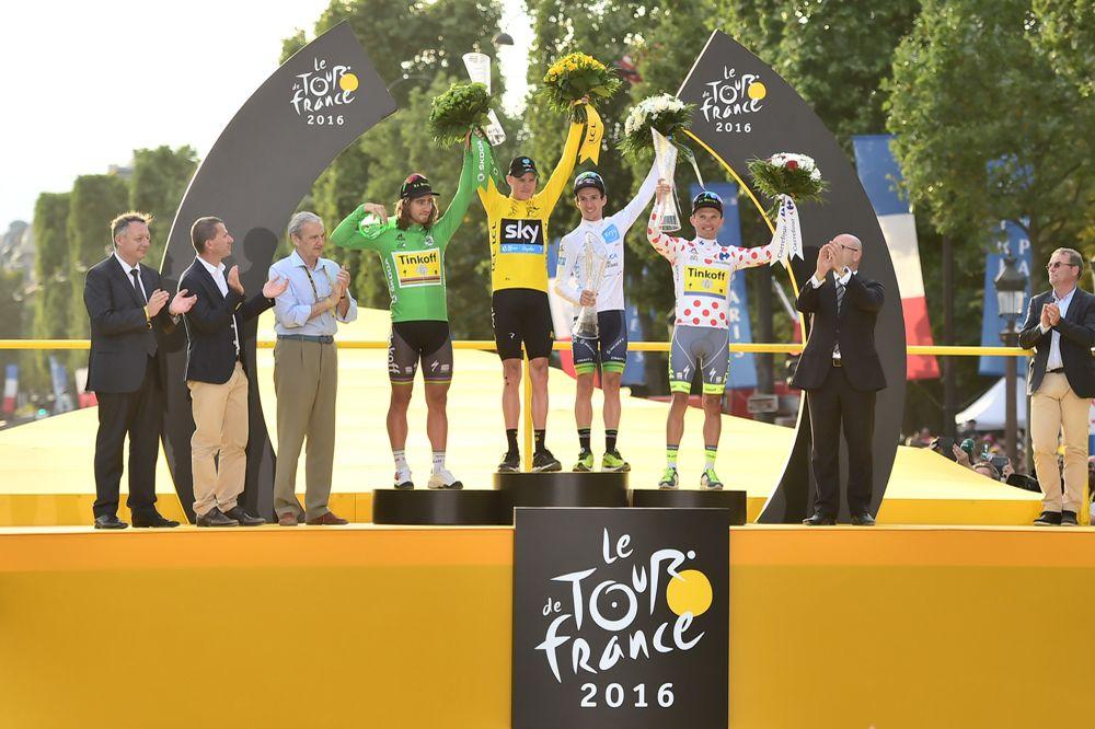 Tour de France 2016 - 24/07/2016 - Etape 21 - Chantilly / Paris Champs-Elysées (113 km) - SAGAN Peter (TINKOFF) maillot vert, FROOME Christopher (TEAM SKY) maillot Jaune, YATES Adam (ORICA BikeExchange) maillot blanc, MAJKA Rafal (TINKOFF) maillot à pois.