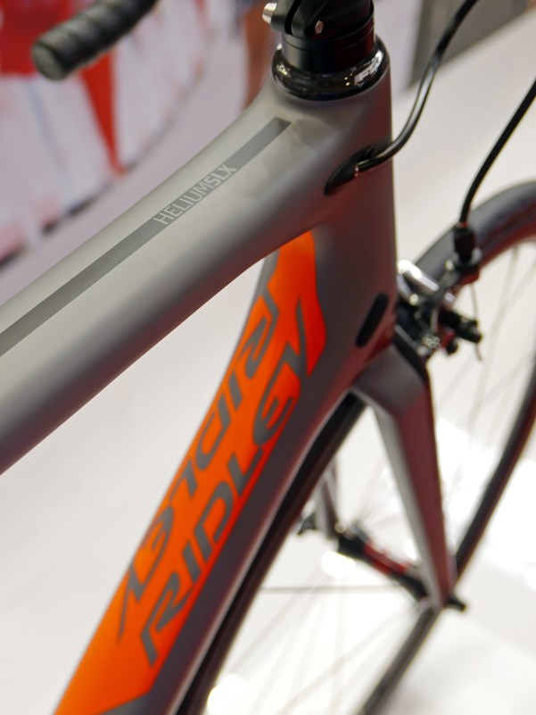 ridley_helium-slx_lightweight-carbon-climber-road-race-bike_toptube